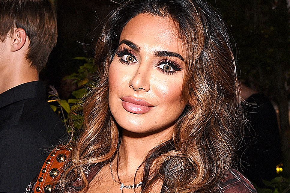 "Huda Kattan Cukup Membuat Ultimate ""Your-Lips-But-Better"" Almari Gincu Nude"