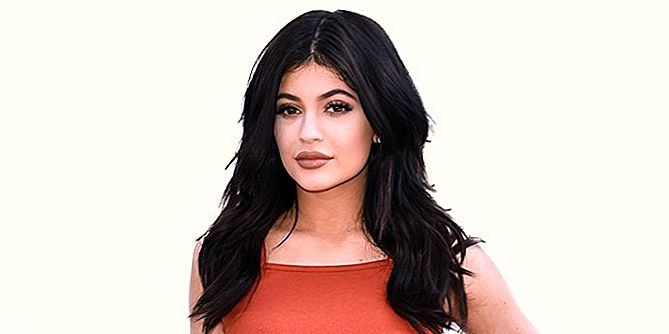 Kylie Jenner Goes 'Ashy Dirty Blonde' For Fall