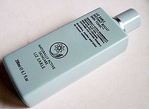 Огляд продукту: Liz Earle Instant Boost Skin Tonic