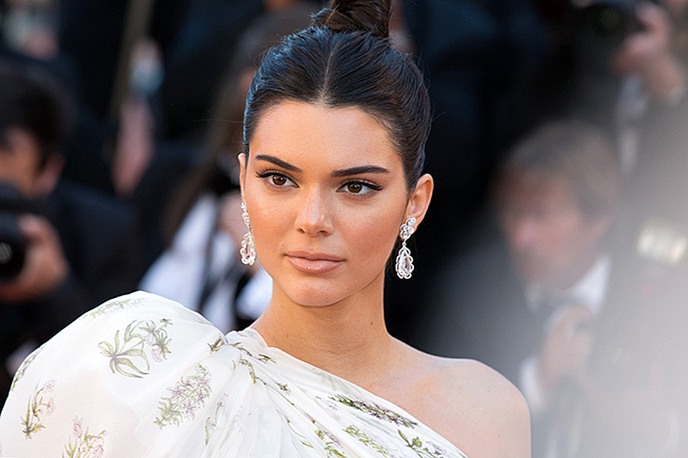 Kendall Jenner's 'IV Cocktail' Scare Is een Wellness Wakeup Call